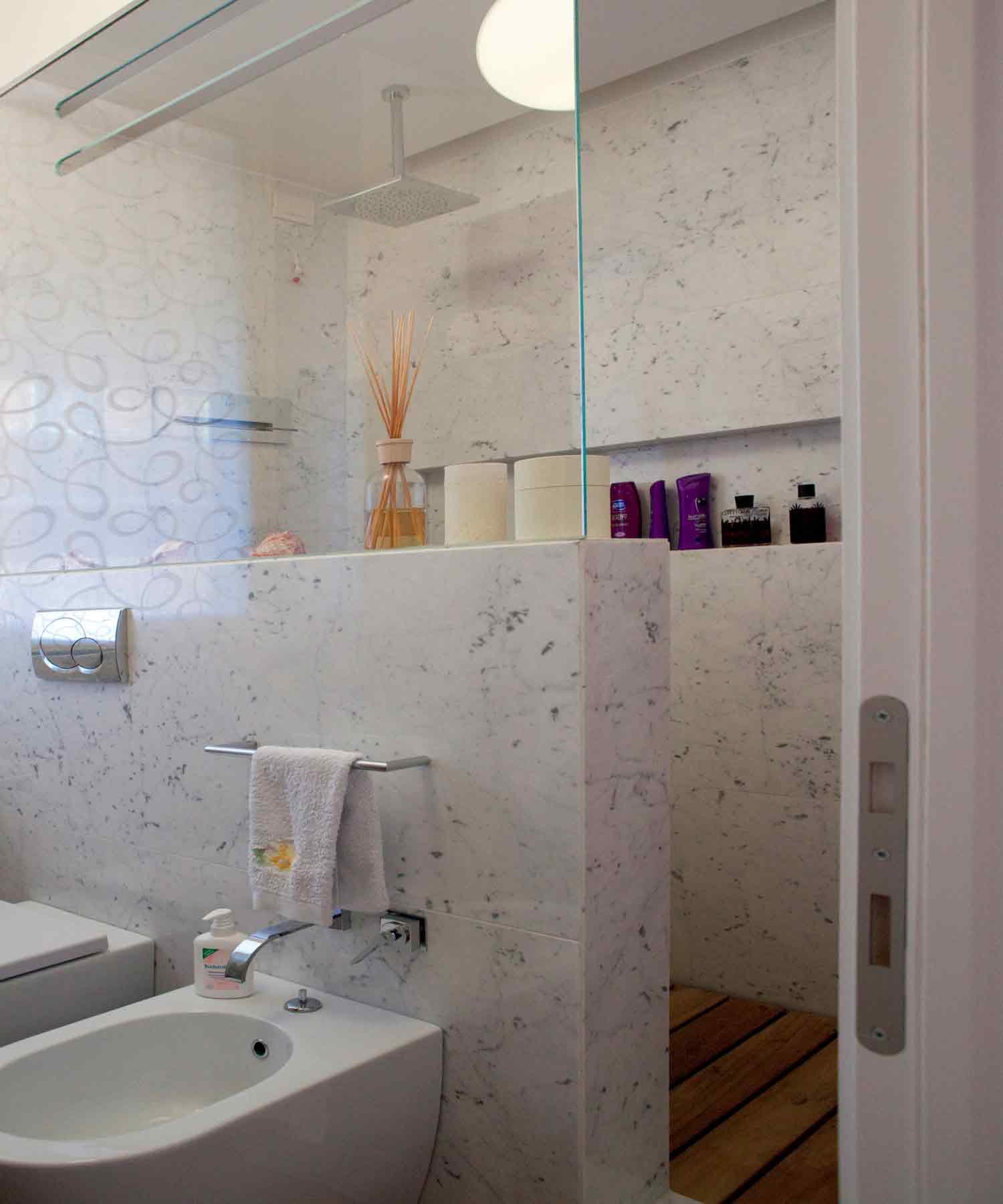 Nicchie bagno cbox white nicchia mensola bagno in acciaio for Nicchie nelle pareti